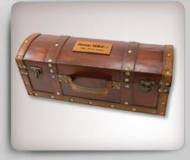 4 Piece Treasure Chest Wine Set