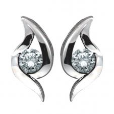 Diamond Stud Earrings in 10K White Gold (0.15 CT. T.W.)