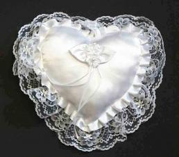 Coussin de mariage en forme de coeur avec dentelle - 10 x 10 - Blanc