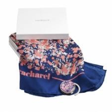 Cacharel Bag Hanger Monceau and Silk Scarf Monceau Set